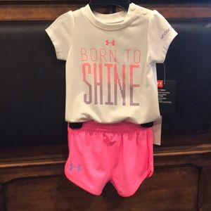 Under Armour Two Piece Set Short Sleeves and Pants